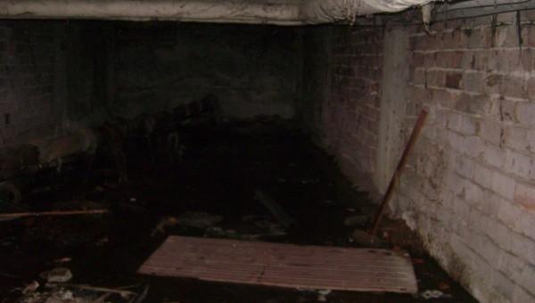 Наводнено мазе в училище