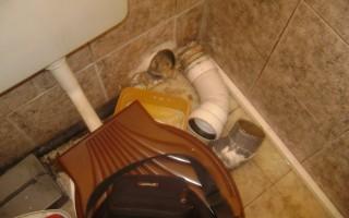 Отпушване на канал в тоалетна