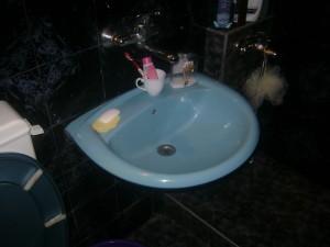 Отпушване  на мивки в баня