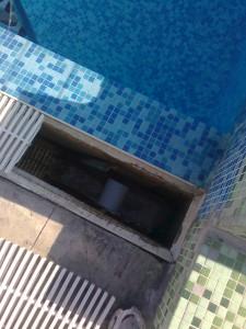 Шахта и отводнителна система на басейн
